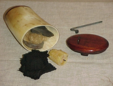 Fire Starting Kit in Horn Box